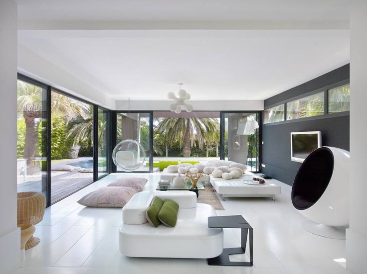 Hotels resorts marvelous sleek villa living room decor - Salon design gris noir blanc ...