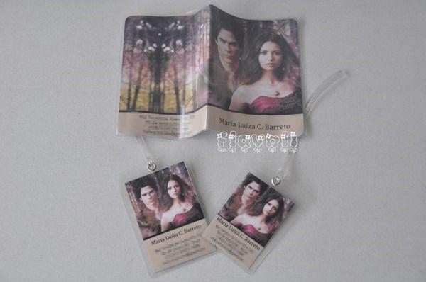 Kit viagem–Vampire Diaries  :: flavoli.net - Papelaria Personalizada :: Contato: (21) 98-836-0113 vendas@flavoli.net