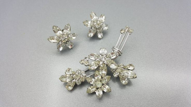 Napier  Brooch and Clip Earrings Signed Vintage Navette and Rhinestone Silver pure shine #jewellery #jewelleryset