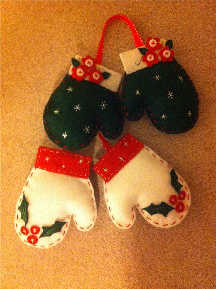 Christmas felt mitten ornaments