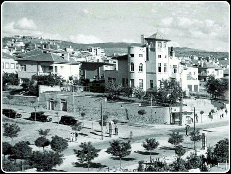 """Ankara - Kızılay  Mehmet Cemil Uybadin Köşkü... Günümüzde """"Gökdelen"""" (Emek İş Hanı) bunun yerinde bulunmakta.."""