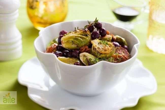 Kilosuna dikkat edenler için hafif ve sağlıklı bir tarif, zeytinyağlı brokoli ve bürüksel lahanası.