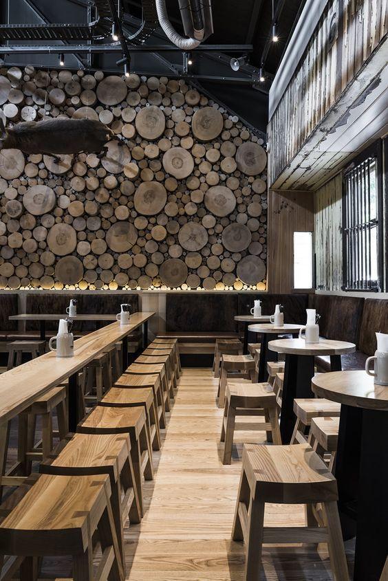 Natuurlijk materialen en elementen toegepast binnen het interieur #horeca #design #restaurant