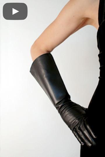 Black Leather Gauntlet Gloves