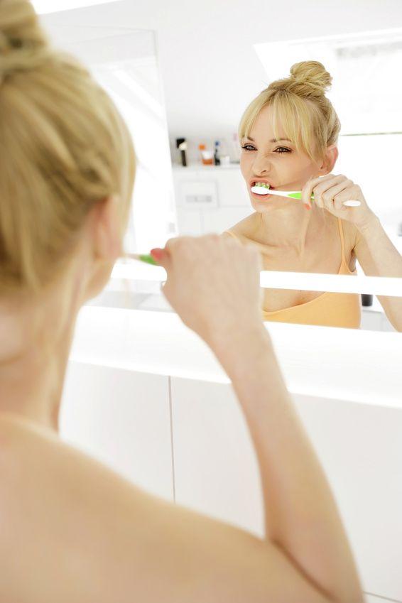 Wer seine Mundhygiene vernachlässigt, riskiert nicht nur seine Zähne, sondern unter Umständen auch sein Leben.