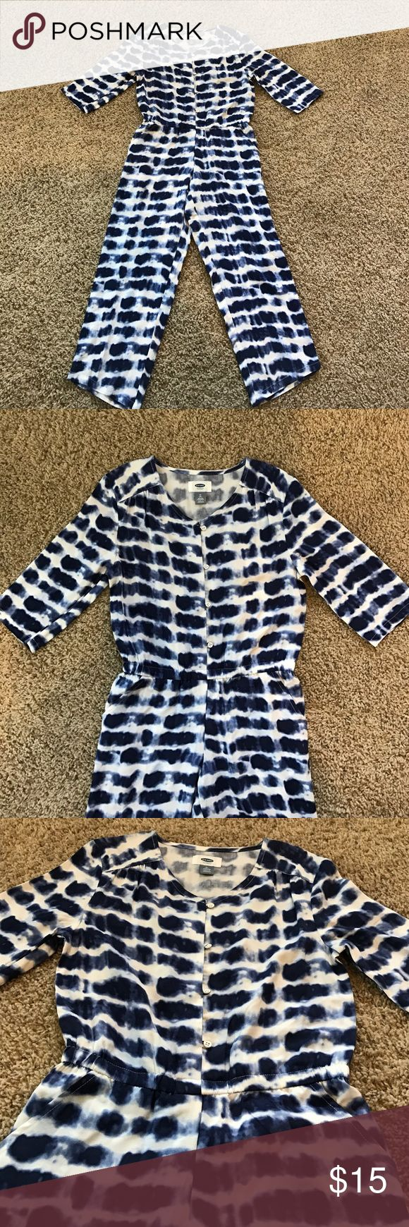 NWOT Girls Old Navy jumper Blue and white girls, four button, two pocket tie dye jumper. Never worn. Old Navy Other