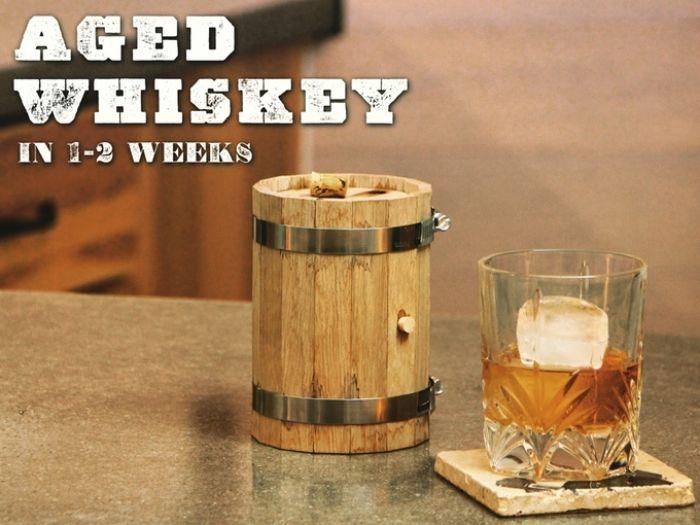 ミニ樽をDIYしてお酒を熟成させるキット「DIY Mini Whiskey Barrel」 | roomie(ルーミー)