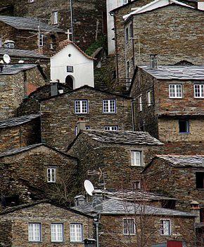 Vista parcial da aldeia de Piódão
