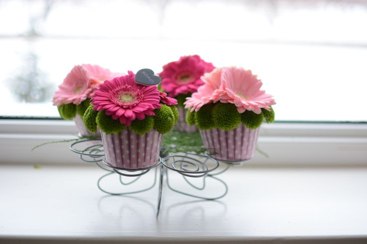 Our favorite cupcake with a miniature clip are a unique way to add a bit of personality to your event.