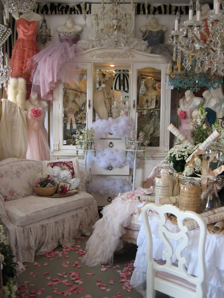 71 best images about shabby antique display booth on pinterest shabby chic antique show and. Black Bedroom Furniture Sets. Home Design Ideas