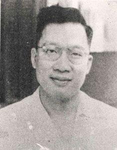 Siauw Giok Tjhan adalah seorang politikus pejuang dan tokoh gerakan kemerdekaan Indonesia dari golongan Tionghoa-Indonesia.