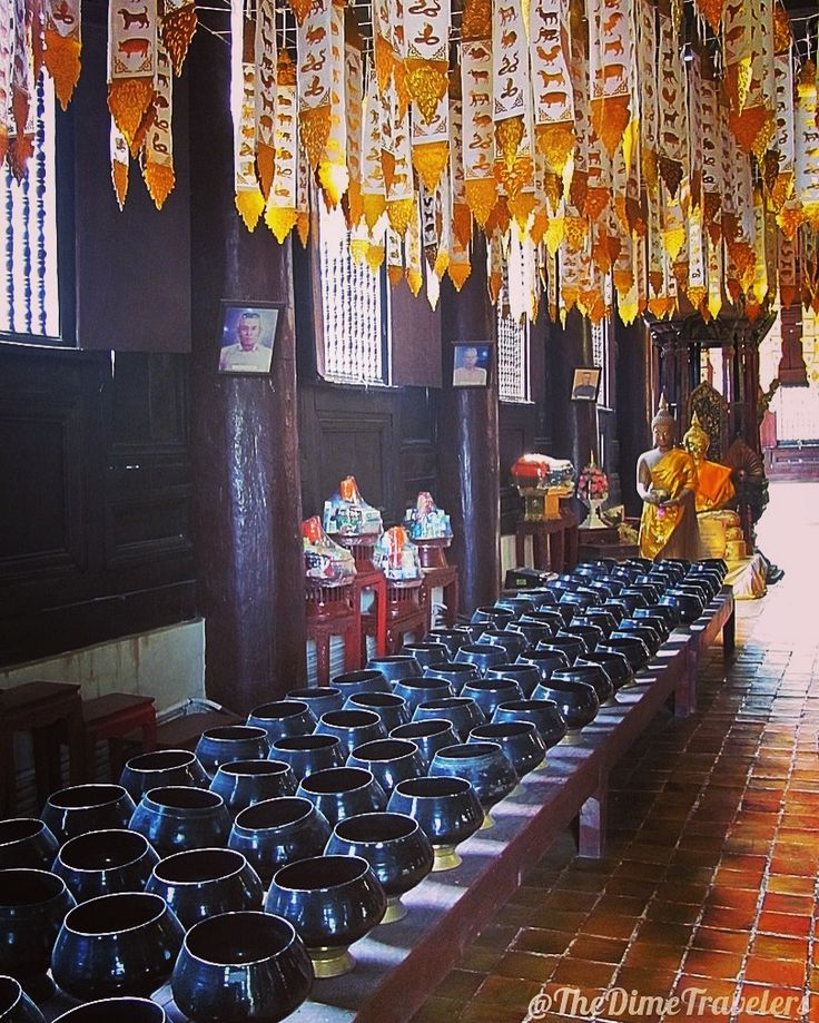 Inside a temple im Chiang Mai, Bangkok, Thailand 🌍✈📸❤