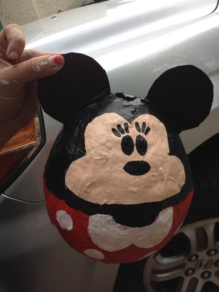 mickey mouse de papel mache