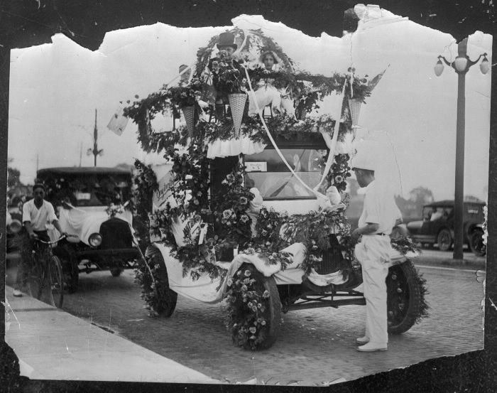 Danforth Businessmen's Association annual spring parade, showing Percy Waters florist, float, 1920
