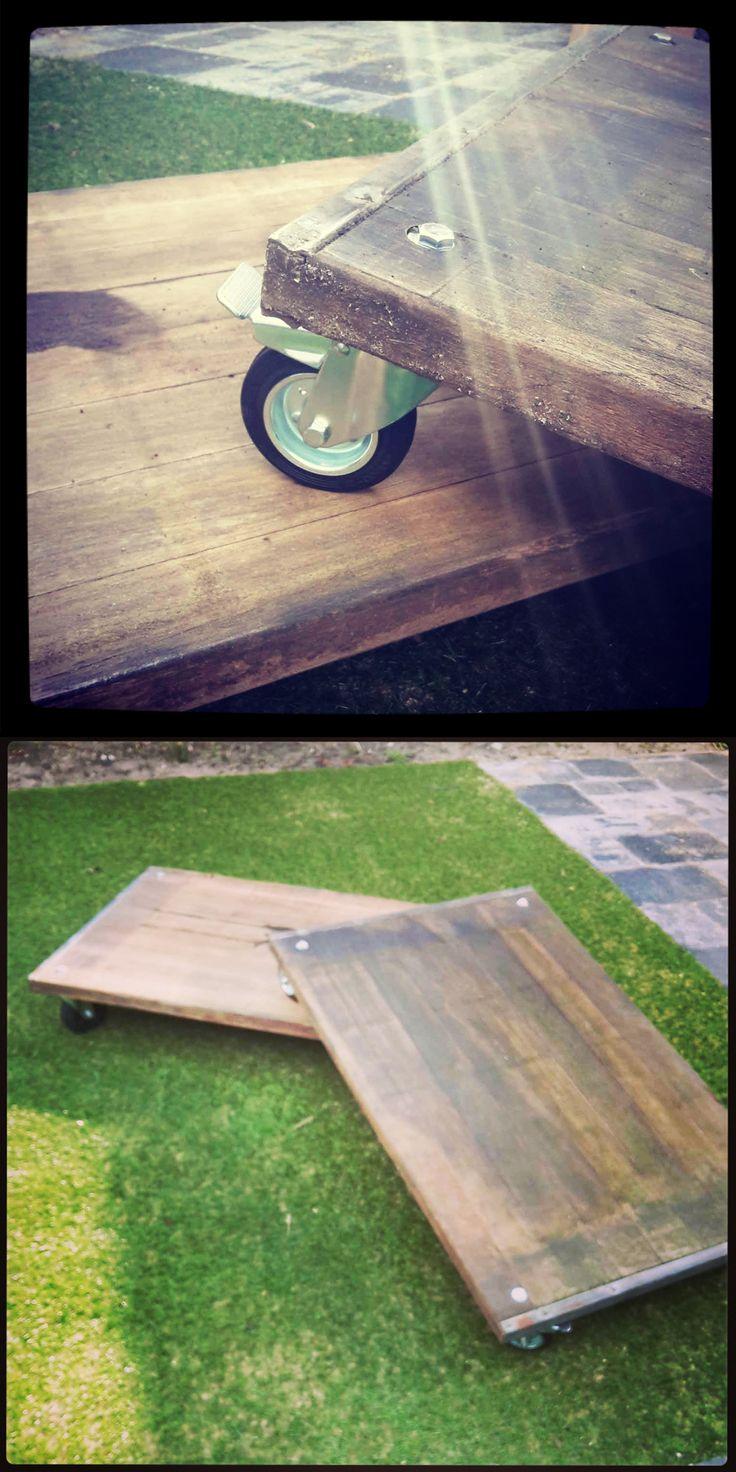 Tuin salontafel met zwenkwielen gemaakt van Azobe steenschotten