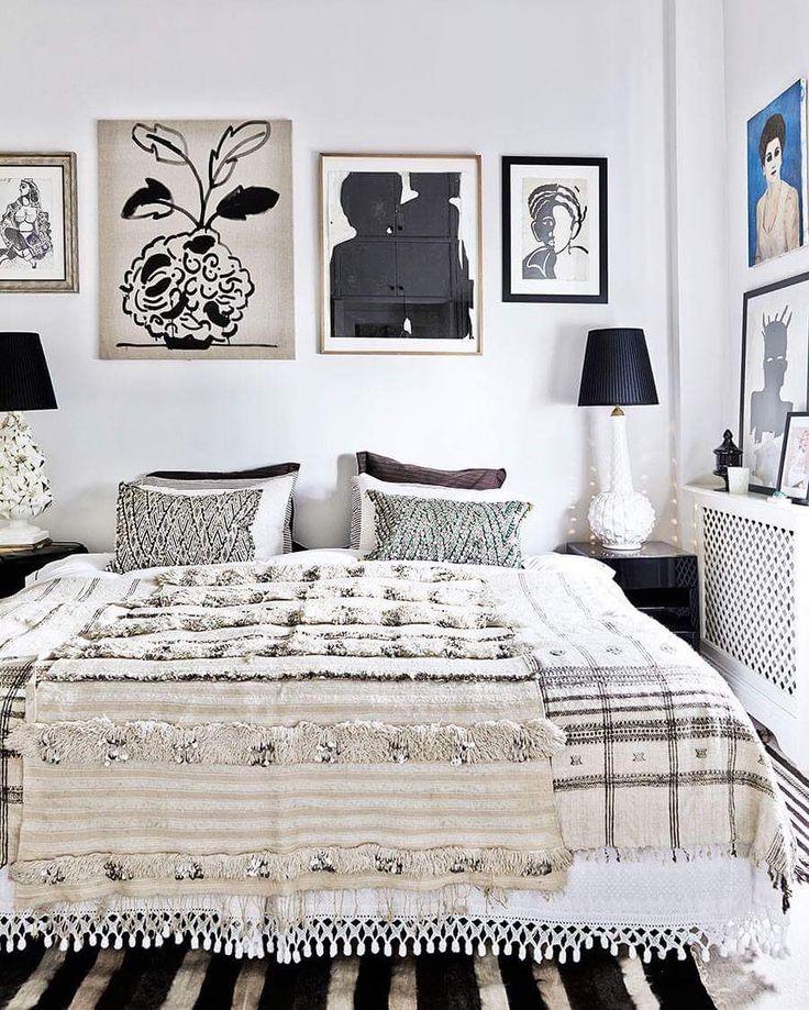Stjärndesignern Malene Birgers lyxigt bohemiska hem är lika maxat som mysigt – och vi älskar varenda liten detalj! ✨ Se alla bilder från hemmet i senaste numret av ELLE Decoration och på elledecoration.se – länk finns som vanligt i profilen! Styling: Pernille Vest, foto: Birgitta Wolfgang/Sisters agency #elledecorationse #interior #hemmahos