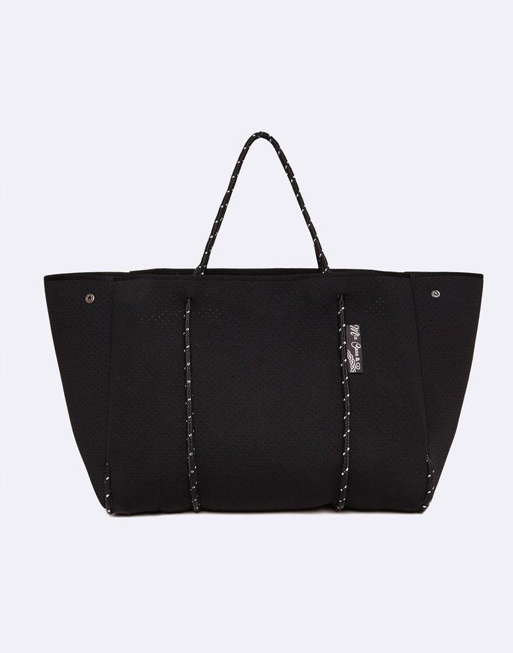 Core Trainer - Miz Casa And Co Sammy  Black Tote Gym Bag