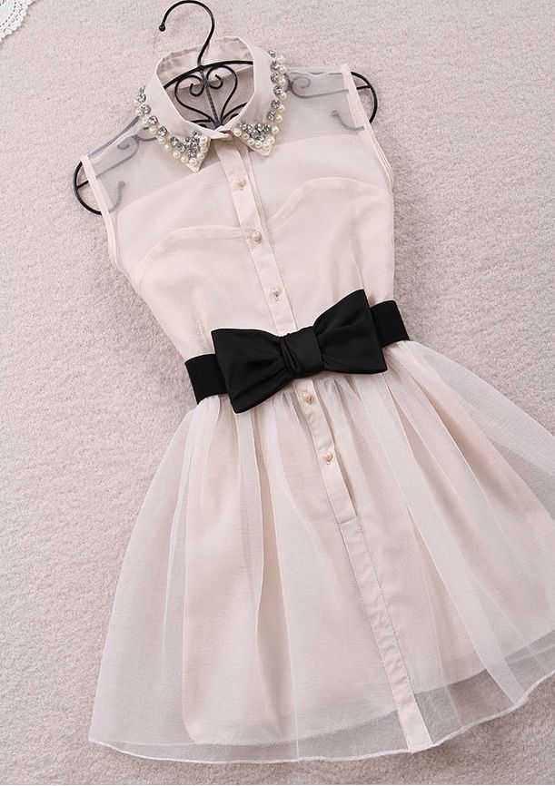 Everything is cute, even the hanger! The only part I don't like is the collar with the design.