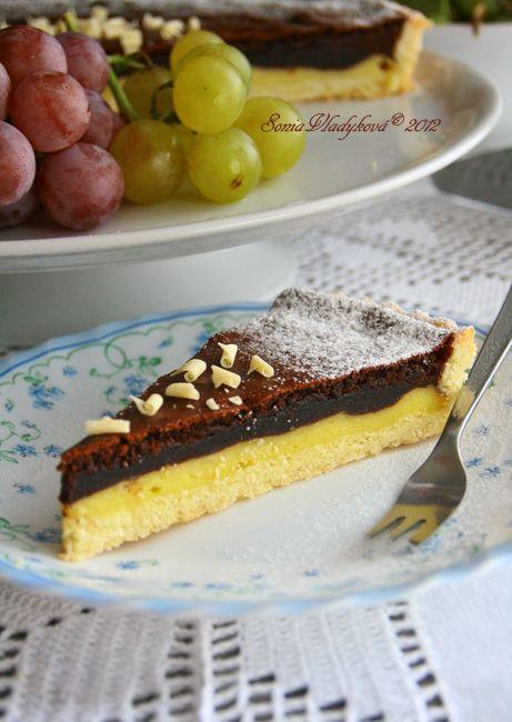 Tak tento koláč Vás zachrání v tom okamžiku, když budete potřebovat připravit dobrý moučník a nebudete mít doma velký výběr surovina ovoce...