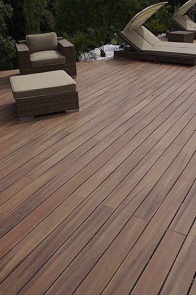 Les 25 meilleures id es de la cat gorie terrasse composite for Bois composite pour terrasse piscine