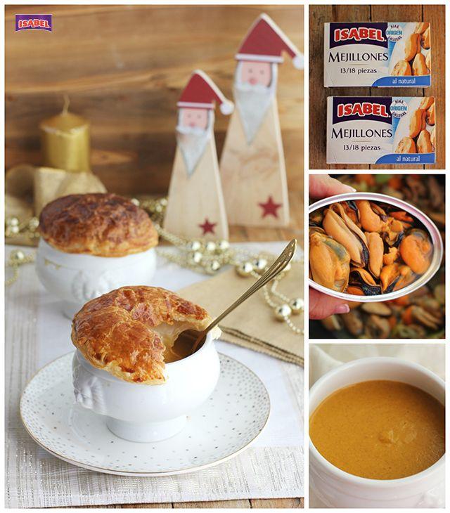 Una exquisita crema de mejillones con una capa de hojaldre que la hace una receta especial si tienes invitados en casa. Crema de mejillones paso a paso.