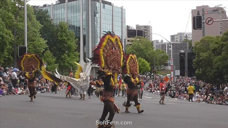 Tribu Salognon – the winner of Dinagyang Festival 2017, Philippines.        Video. Auckland Farmers Santa Parade 2017. Part I. ... 18  PHOTOS        ... Steampank -  a fire-breathing dragon was a real hit!        Originally posted:         http://softfern.com/NewsDtls.aspx?id=1143&catgry=7            #Auckland Farmers Santa Parade 2014, #floating Santa Elmo, #marching bands, #Famous Star Wars characters, #Santa Claus, #fun and entertainment to families, #characters, #Auckland Farmers Santa…