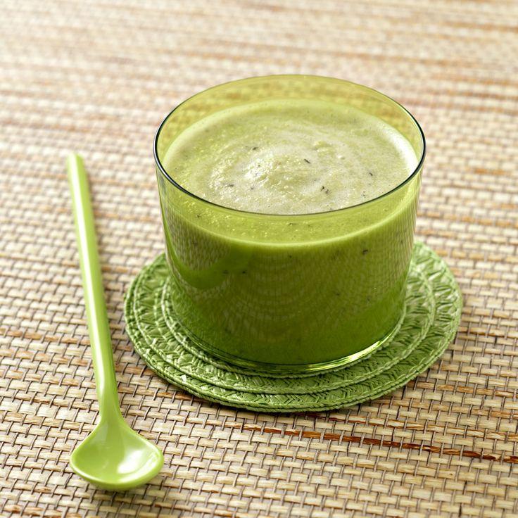 Refrescante y con muchas vitaminas, una crema fría de pepino ideal para sentirte sana y ligera.
