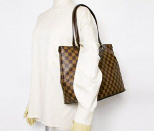 Check out these top season trends with it to match. Damier Azur Canvas Galliera PM N55215 $229.14