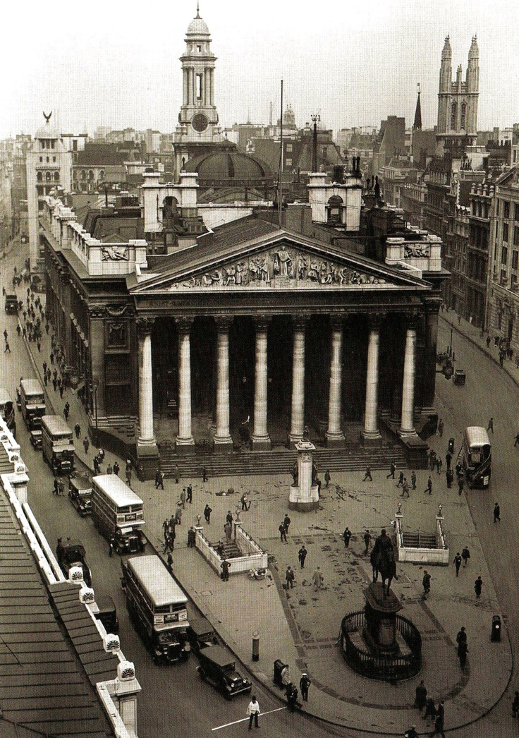 An aerial view of the Royal Exchange in the City of London - 18 June 1931 #bw @blackwhitepins