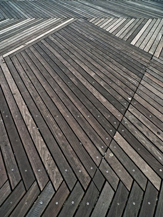 I know it 39 s a deck but it 39 s a cool pattern for indoor for Timber decking materials