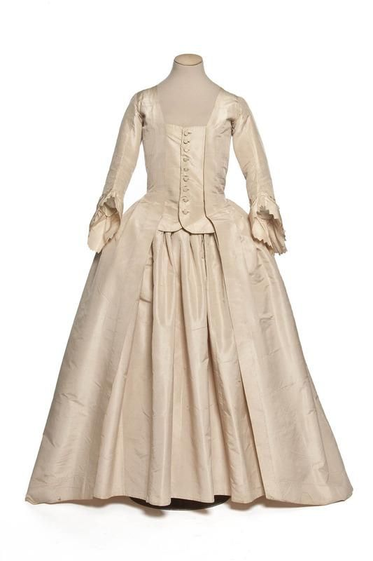 Robe à la Française, France: second half of the 18th century (Louis XVI era), silk taffeta.