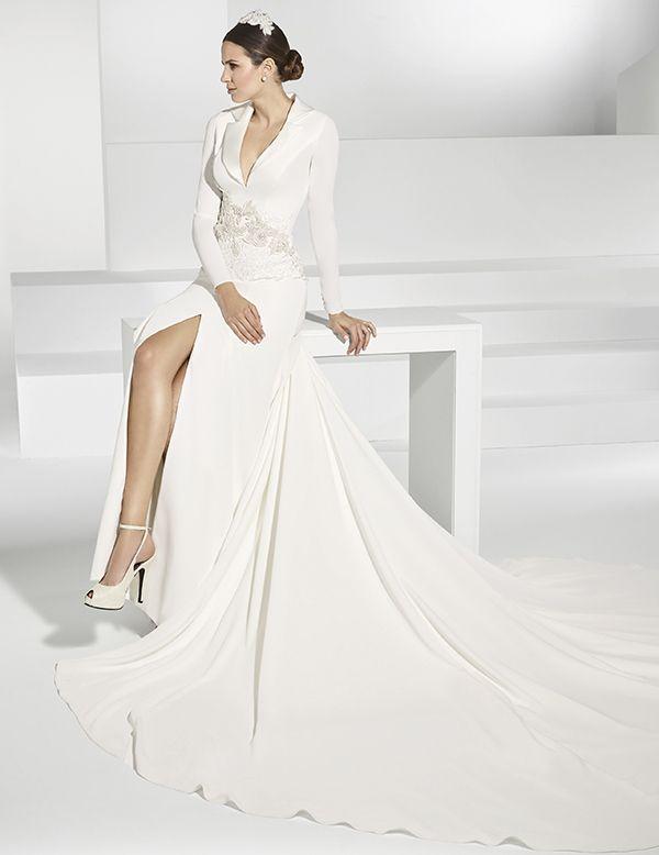 vestidos de novias en crep estilo abrigo con apertura delantera