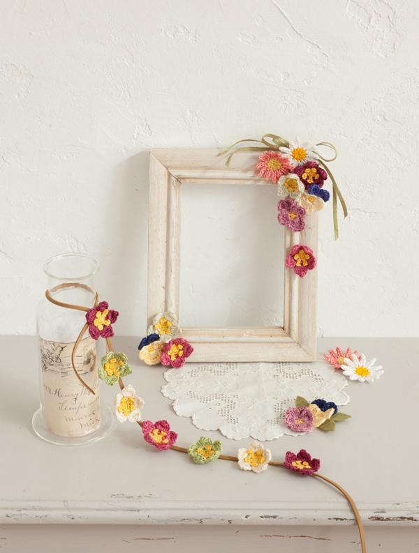 マーガレット、パンジー、クリスマスローズの花モチーフで、小さな春の訪れを楽しんで。/かぎ針編みの花モチーフ(「はんど&はあと」2013年4月号)
