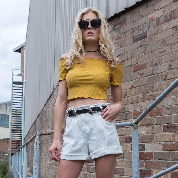 Is it the weekend yet? Bring on crops and denim all weekend long✨shop this look in store + online >>> https://www.urbansport.com.au/home/671-florence-white-high-waisted-paper-bag-denim-shorts.html   #urbansport #fashion #weekend #croptop #offtheshoulder #denim #shorts #denimshorts #whitedenim #shop #fashionista #fashionlover #fashionblogger #style