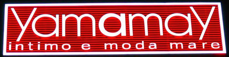 insegne luminose Milano, insegne luminose al neon, insegne pubblicitarie, insegne luminose YAMAMAY, insegne luminose  piazza San Babila Milano