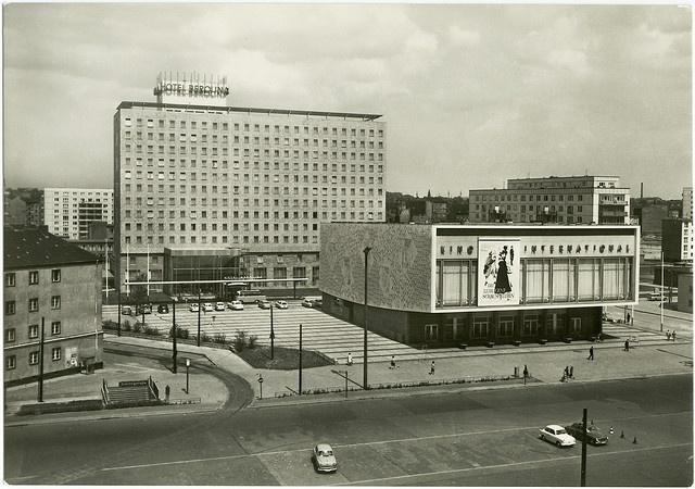 Kino International, Berlin Mitte, 1963
