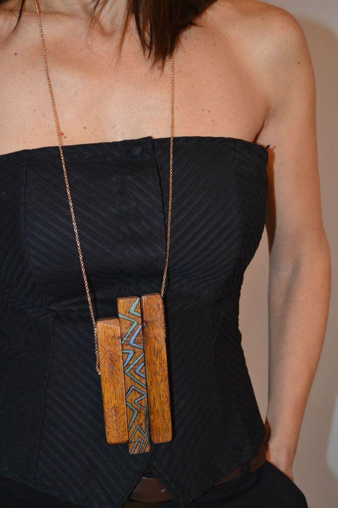 Collana Ciondolo donna in legno dipinto a mano e nappina Kurò