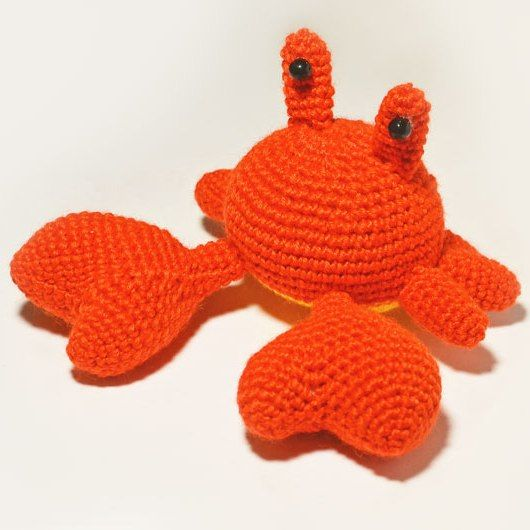This simple Mr. Crab Amigurumi Pattern makes crocheting fun and easy! Create your own amigurumi crab with soft claws that won't hurt anyone :)