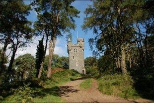 Un week-end insolite et luxueux vous attend lors de ces 3 jours dans le Comté de Down en Irlande du Nord. Perché dans votre tour du XIXe siècle, vous vivrez une expérience vraiment inédite !
