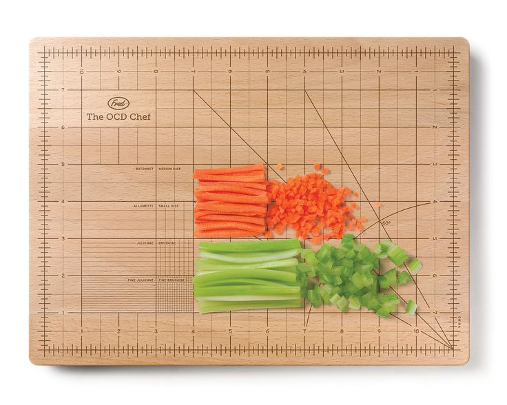 Cutting board for precise chopping