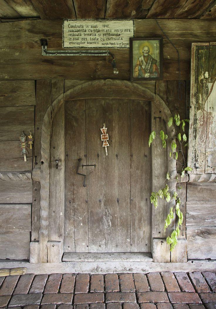Olteanca Chituci VL.bis lemn.portal - Biserica de lemn din Olteanca-Chituci - Wikipedia