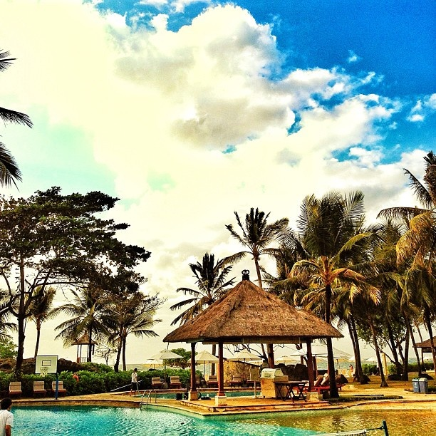 Good morning! where would you like to spend your relaxing holiday? at the beach or by the swimming pool (courtesy of: moch_arofah)