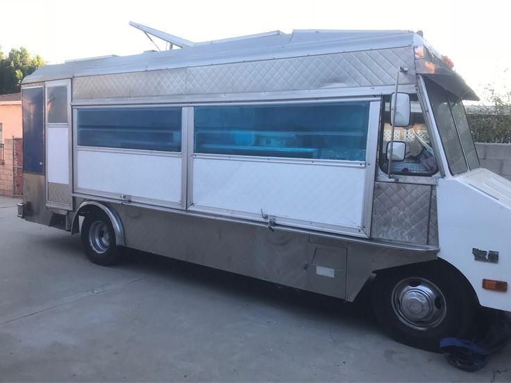 Wyss catering truck for sale 15k obo give us a call 619-385-1054 #foodtruck #lunchtruck #lonchera #cateringtruck #losangeles #orangecounty #sanfrancisco