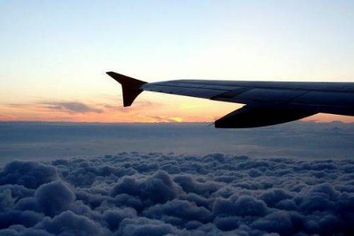 Мужчина скончался на борту самолета авиакомпании Aer Lingus, который совершал рейс EI485 из Лиссабона в Дублин. Причиной смерти, по предварительным данным, стало нервно-психическое заболевание пассажира. Трагический инцидент произошел в ми...  #авиакомпании, #нервно-психическое,  #Likada #PRO #news #новость