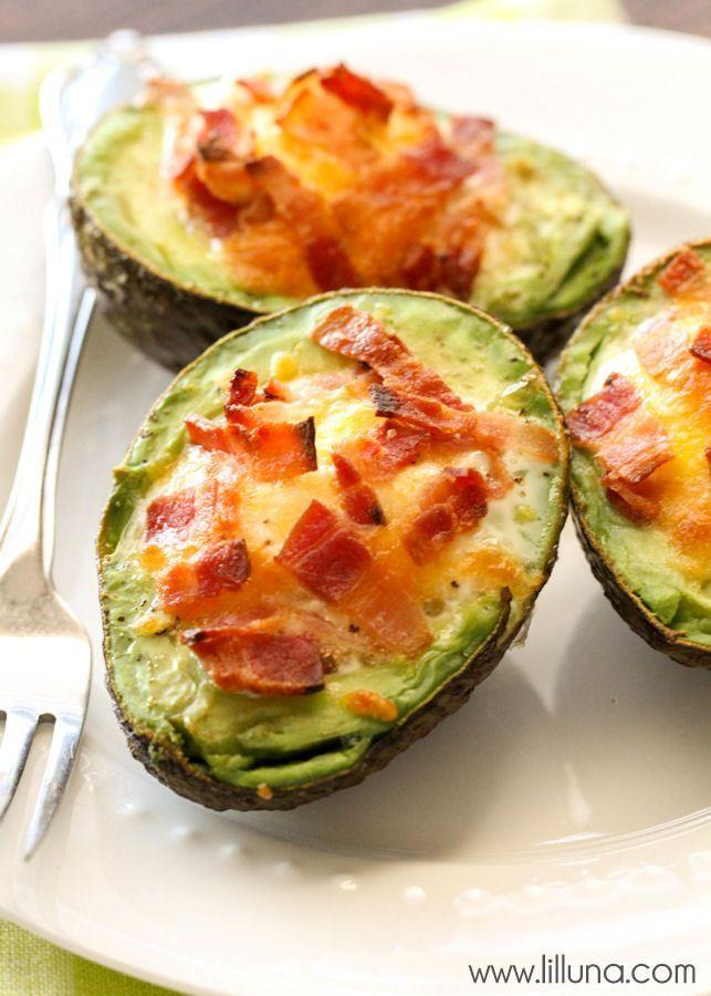 We love these Avocado Bacon and Eggs - they're so easy too! { lilluna.com }