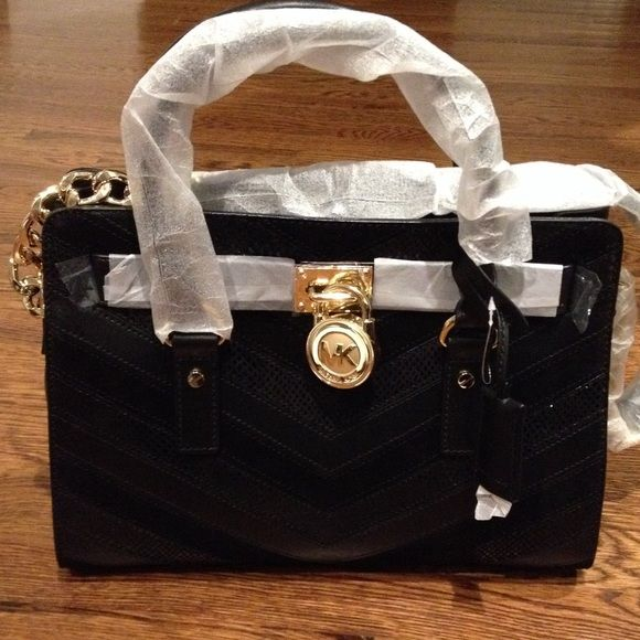 1abdffa384c3 Black Michael Kors Purse With Lock | Stanford Center for Opportunity ...