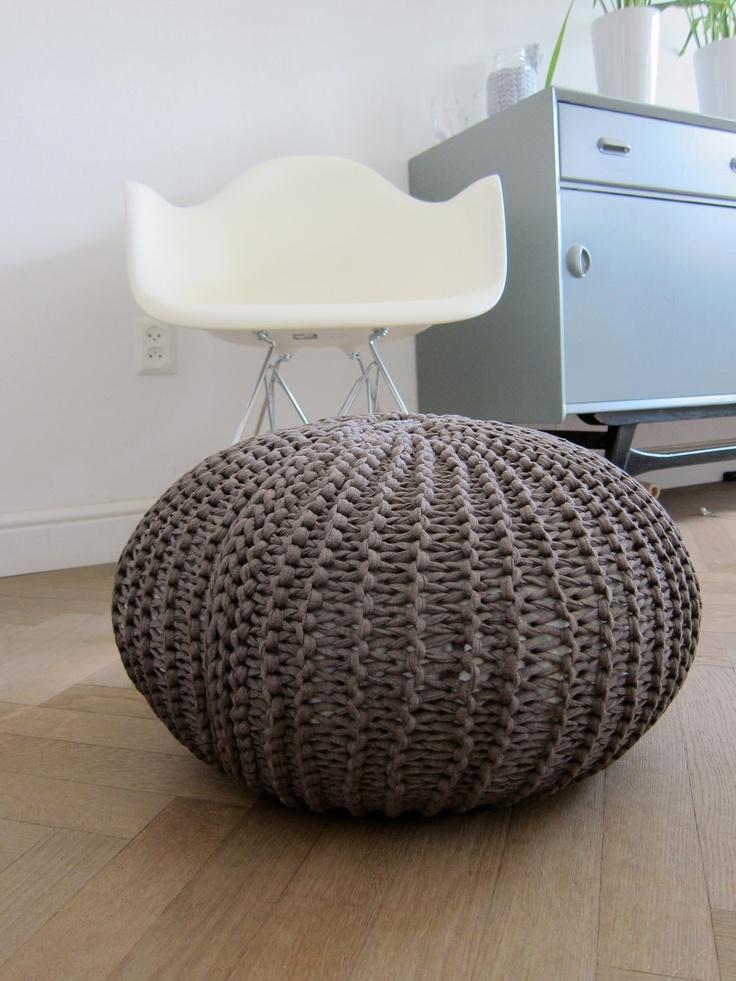 86 best images about strikke puffer on pinterest floor. Black Bedroom Furniture Sets. Home Design Ideas