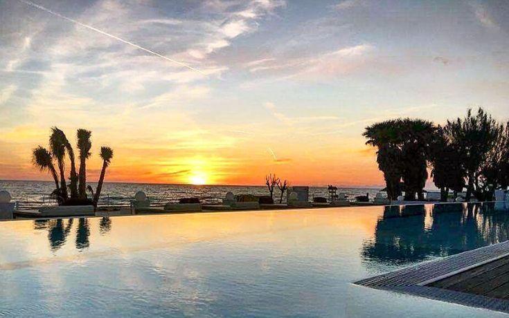 Matrimoni In Spiaggia Napoli. Il Tramonto Sul Mare. Romanticismo Al Matrimonio