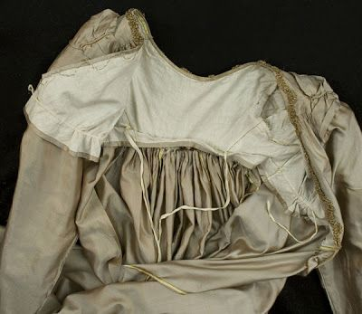 Inside view of silk dress bodice, 1810's. Originally from Vintage Textile.