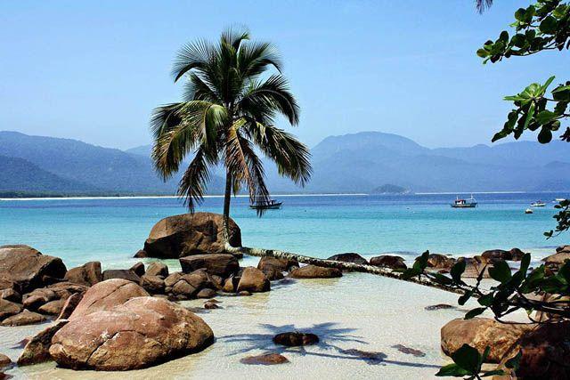 Praia do Aventureiro, Ilha Grande – RJ - Brasil